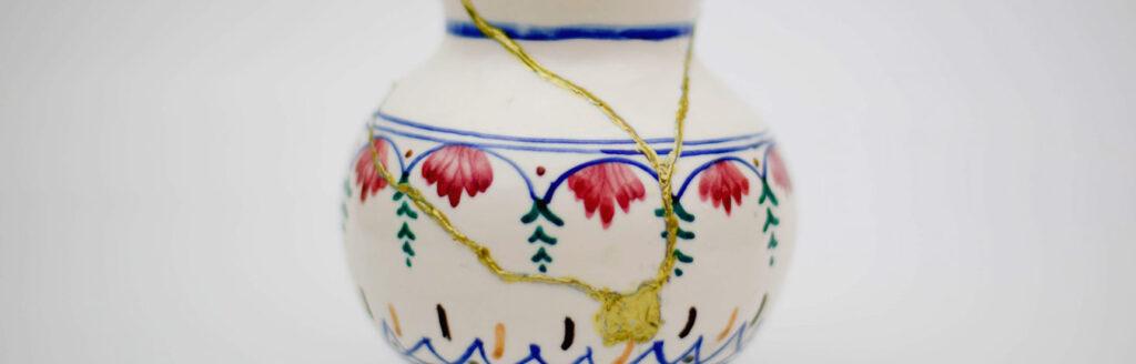 Zusammengeklebte Vase